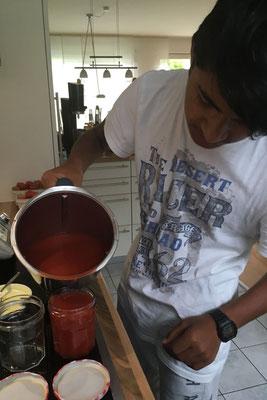 Ashok kocht leckere Marmelade
