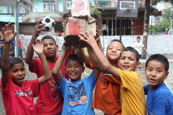 sind unsere Kids voll im WM Fieber.