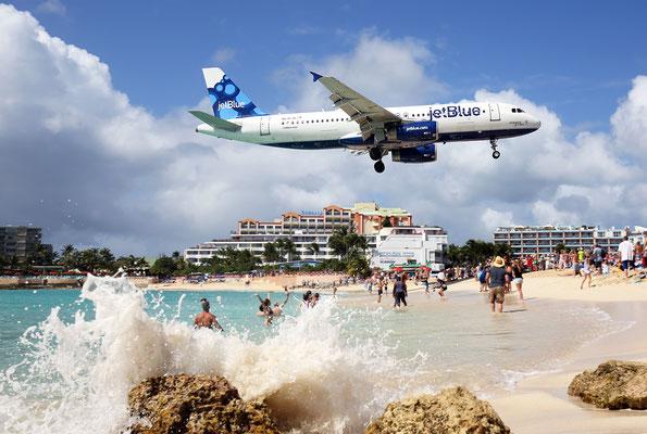 Jet Blue Airbus A320, Maho Beach, Saint Maarten