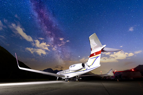 HB-JKP, Gulfstream G650 under the the milky way, Samedan - St.Moritz, Switzerland