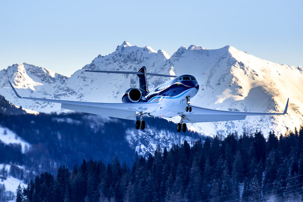 Gulfstream 650 on final runway 21, Samedan - St.Moritz, Switzerland