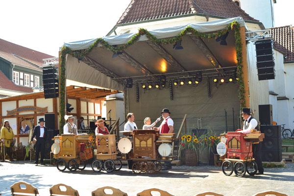 Historischer Markt Bad Essen - Drehorgelspieler