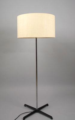 Staff Stehlampe
