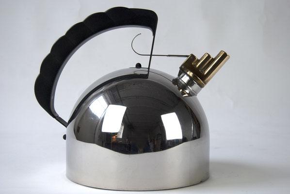 Alessi, Wasserkessel, Dreiklang, 1983, Richard Sparer, Design, 80s, Flötenkessel, Italy Design, Italy,
