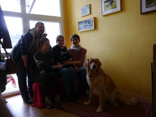 Antaro ( der Erstgeborene)  lebt nun im fernen Schwäbisch Gmünd bei einer hovierfahrenen Familie.