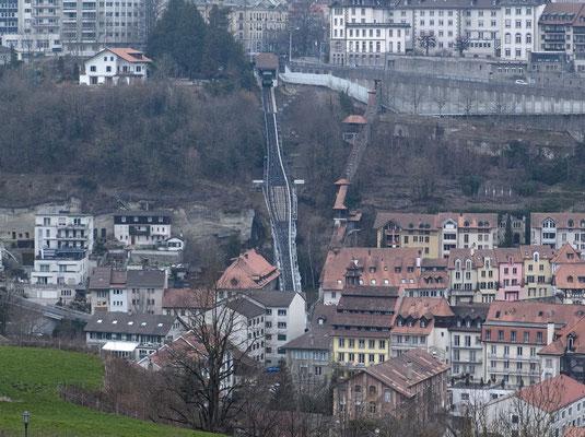Eine Standseilbahn verbindet die Ober- und die Unterstadt