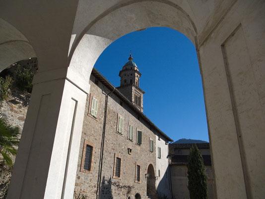 Szenerie bei der Kirche