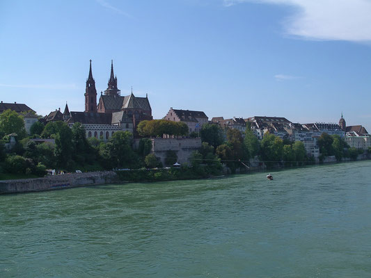 Das Basler Münster und die Basler Altstadt