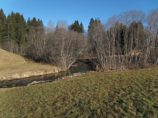 Die Biber bildet die Grenze zwischen den Kantonen Schwyz und Zug