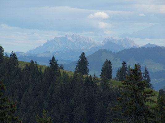 Zoom zum Säntis und Altmann