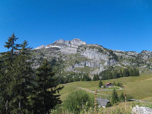 Auf dem Weg vom Col des Mosses (La Comballaz) zum Pierre du Moëllé