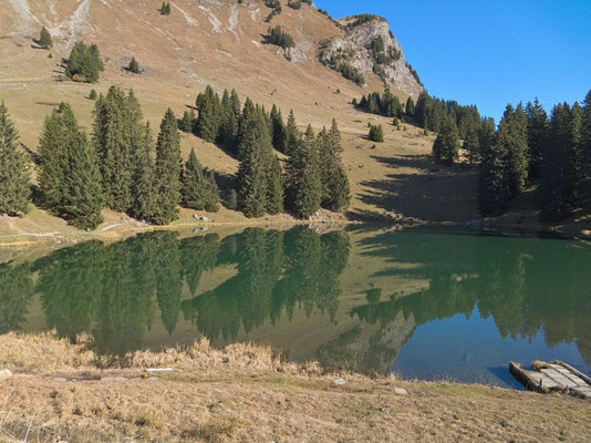Lac Retaud oberhalb des Col du Pillon