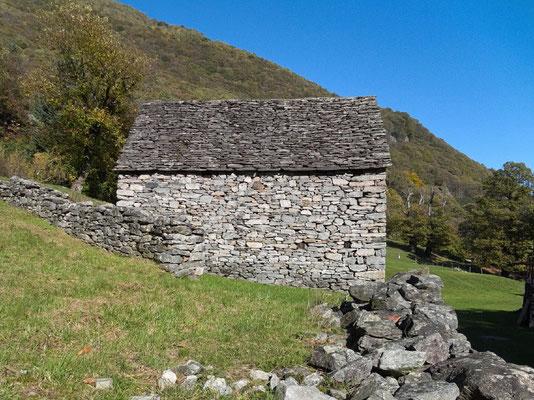 renovierte Alphütten auf San Defendente
