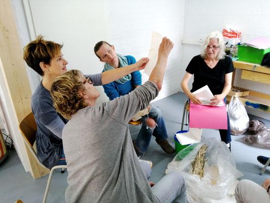 Workshop   Papierschöpfen mit Petra Decker-Schimanski   August 2019
