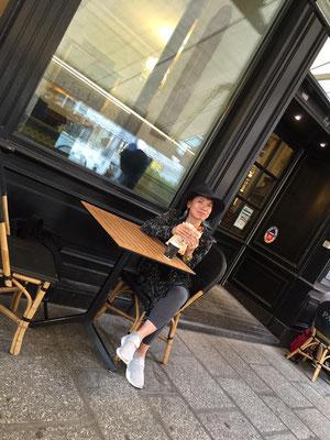 パリ・ルノルマンツアーでの伊東達美先生