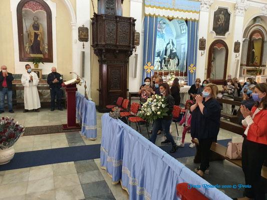 Offerta delle rose a Maria SS. del Rosario