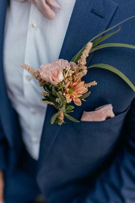 Reversanstecker in Peach // Foto: Judith Stoop Photography
