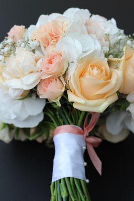 Pastelliger Brautstrauß