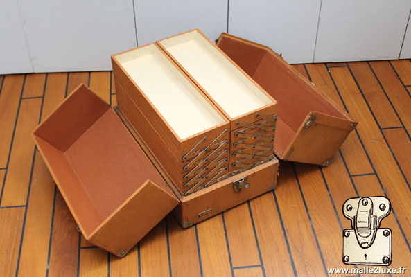 Valise mallette Marmotte Louis Vuitton interieur