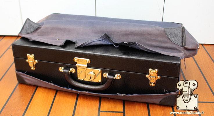 valise nécessaire de toilette Louis Vuitton