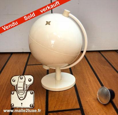 monde sans monde globe blanc Louis Vuitton rare