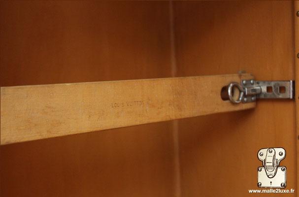 barre de serrage malle Louis Vuitton