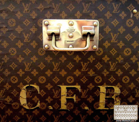 louis vuitton trunk handle trunk