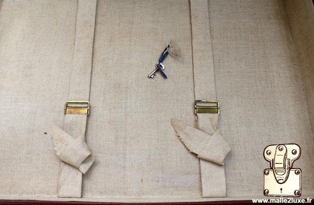 ancienne valise Louis Vuitton a sangle