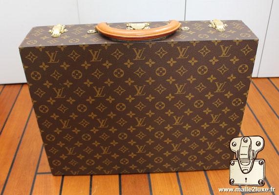 Valise diplomate Louis Vuitton M53020 dessous cousu main