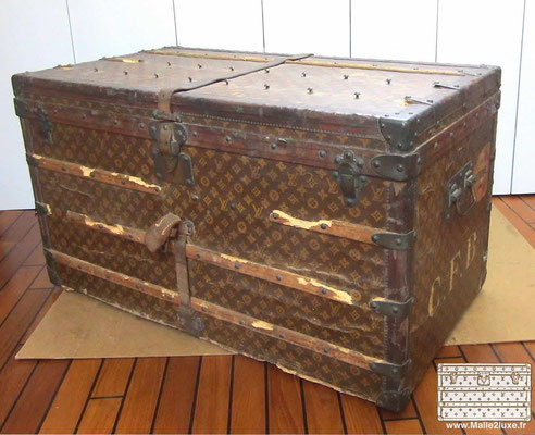 louis vuitton courier trunk mail