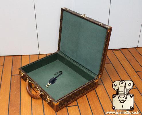 valise president Louis Vuitton monogram vintage intérieur refait