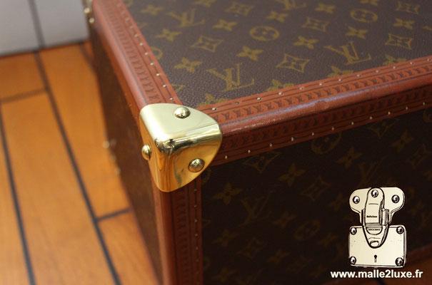 Vanity Louis Vuitton toile monogram 1990 boite a pharmacie coin la malle