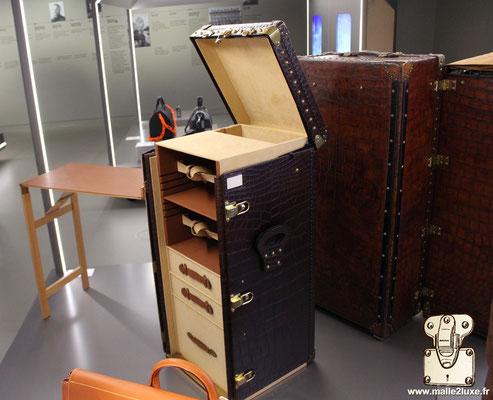 bureau croco Louis Vuitton