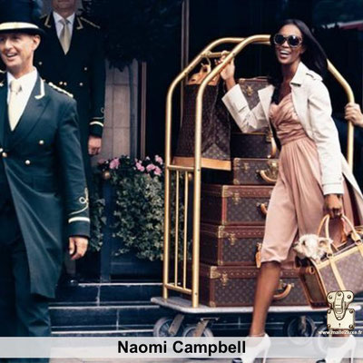 Naomi campbell aime les malles louis vuitton
