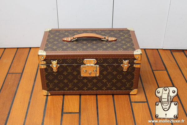 Vanity Louis Vuitton collection 1990 vintage  boîte bouteille et miroir - M21822