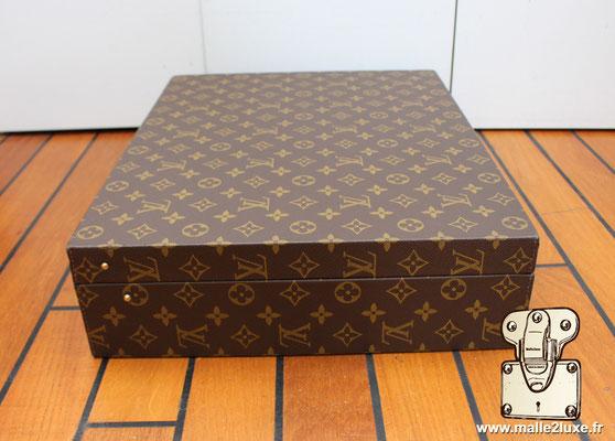 Valise diplomate Louis Vuitton M53020 coté exterieur