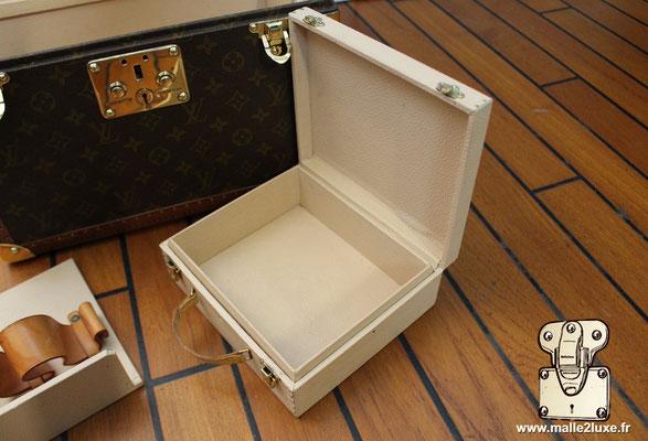 Vanity Louis Vuitton toile monogram 1990 boite a pharmacie boite