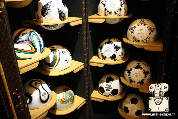 malle ballon de foot ball Fifa Louis Vuitton 2019