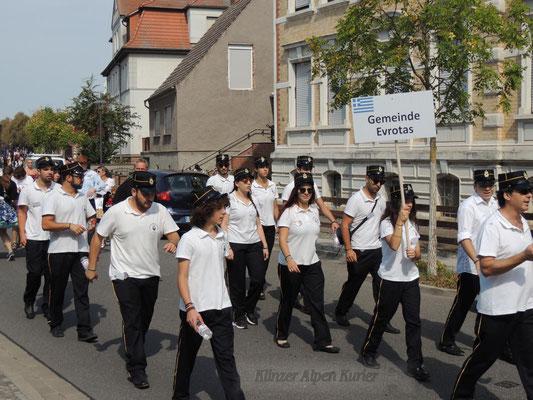 Auch Gäste aus Griechenland nahmen am Festumzug teil.