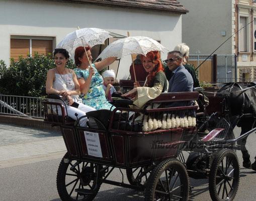 Bürgermeisterin Regina Blenkle mit den Gästen aus der befreundeten griechischen Gemeinde Evrotas.