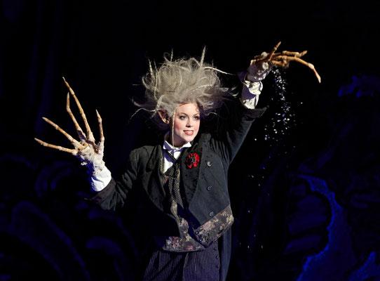 """""""Hänsel und Gretel"""" am Theater Augsburg - Sandmännchen (C) A. T. Schaefer"""