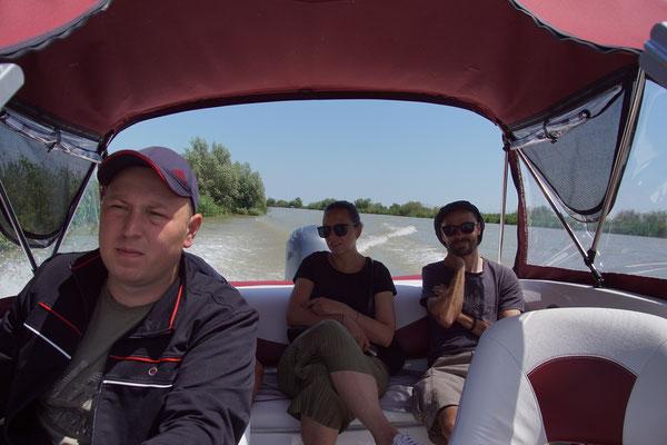 Unser Skipper im Speedboot