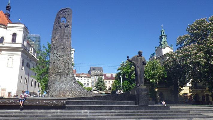 einer von vielen Statuen in Lemberg