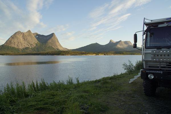 am Efjorden nach Mitternacht