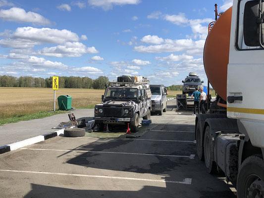 Für die parkenden Trucker wie Kino