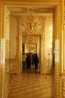 goldene Zimmerfluchten