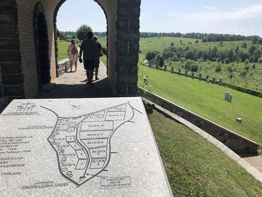deut. Soldatenfriedhof von Roman Herzog eingeweiht