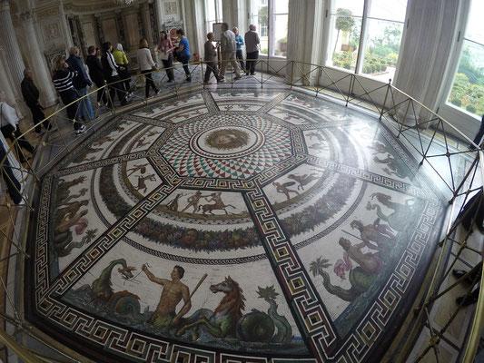 ein riesiges Mosaik