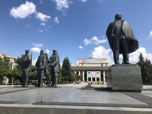 tatsächlich mal ein Lenin Denkmal
