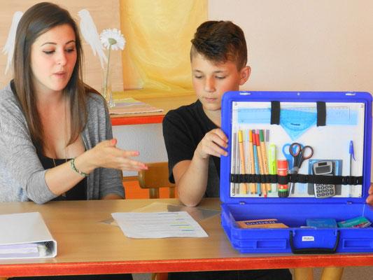 Jeder Lernende hat seinen eigenen Materialienkoffer.